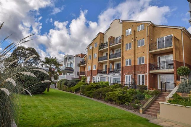 Flat for sale in 76 Undercliff Gardens, Leigh-On-Sea, Essex