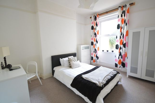 6 bed terraced house to rent in Devonshire Street, Plymouth