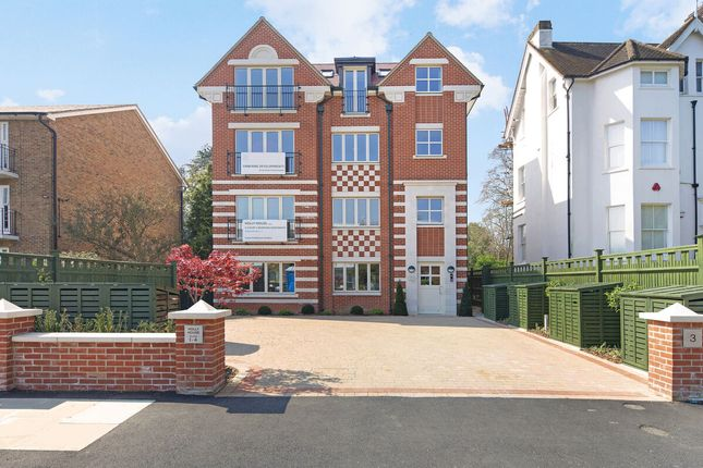 Thumbnail Flat for sale in Clifton Road, Wimbledon Village