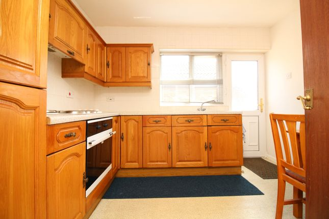 Bungalow to rent in Lavenham Place, Skellow