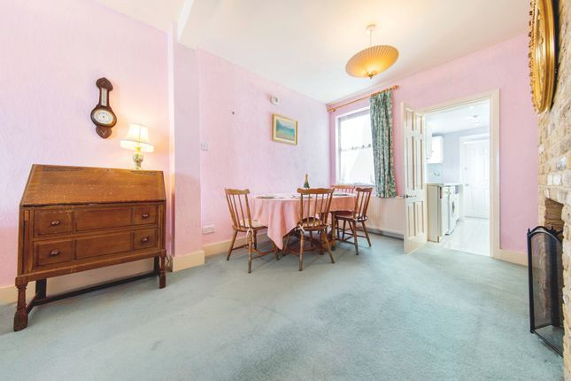 2 bed cottage for sale in Albert Road, Richmond