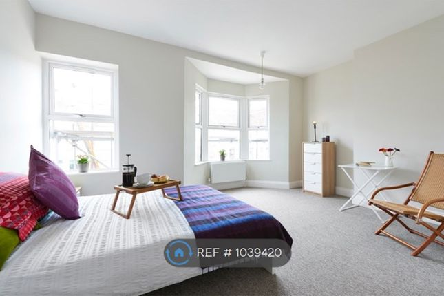 5 bed terraced house to rent in Churchill Road, Bristol BS4