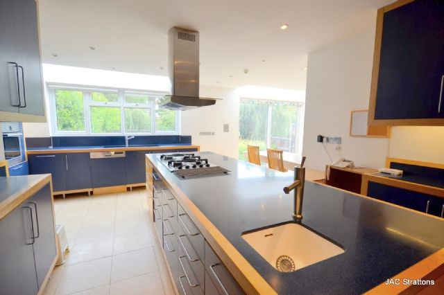 Thumbnail Semi-detached house to rent in Southway, Totteridge, London