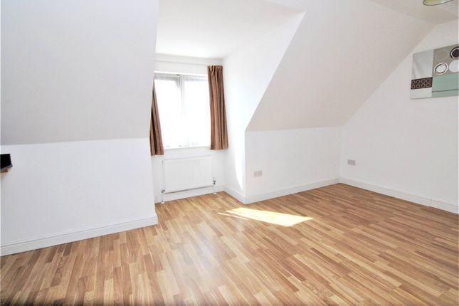 Picture No. 06 of Camborne Terrace, Camborne Avenue, Harold Hill, Romford RM3