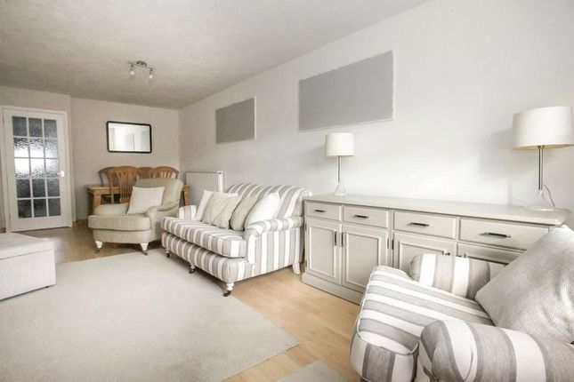 Thumbnail Bungalow to rent in Crop Common, Hatfield, Hertfordshire