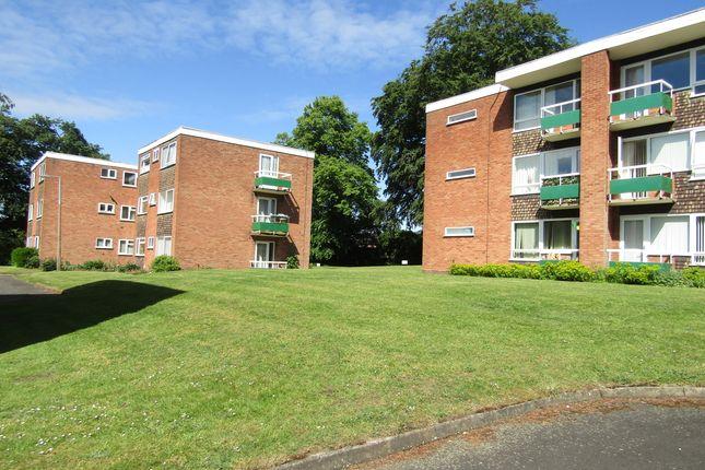 2 bed flat to rent in Ambury Way, Great Barr, Birmingham B43