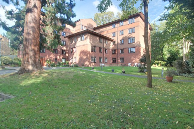 Windsor Court, Pinner, Retirement Apartment HA5