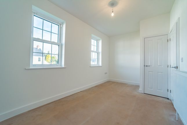 2 bedroom terraced house for sale in Ladywell Meadows, Chumleigh