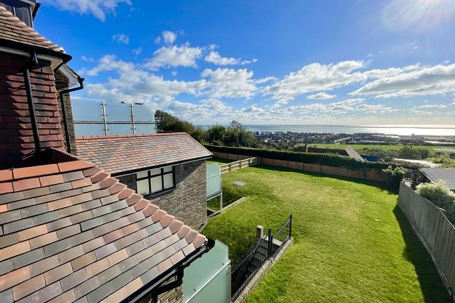 3 bed flat for sale in Redlynch House, 19 Hillcrest Road, Hythe, Kent. CT21