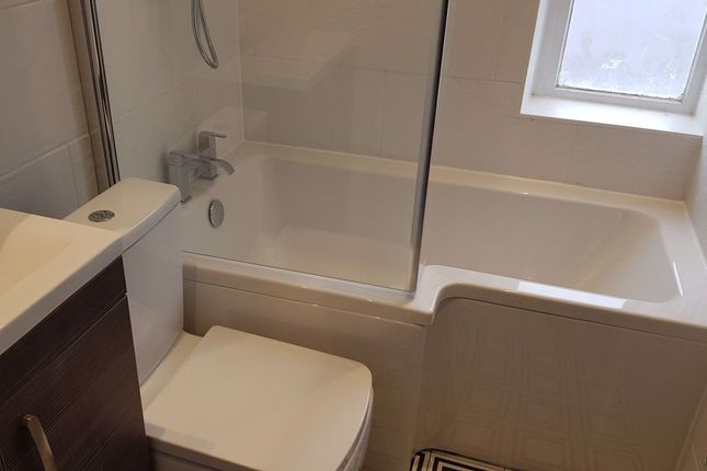 1 bed flat to rent in Cavendish Buildings, Gilbert Street W1K