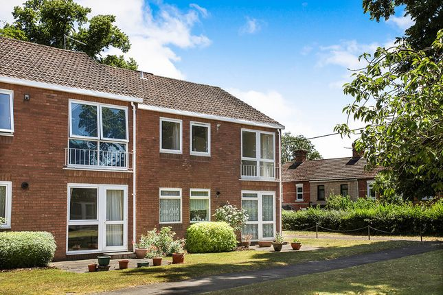 Thumbnail Flat to rent in Weyhill Road, Andover