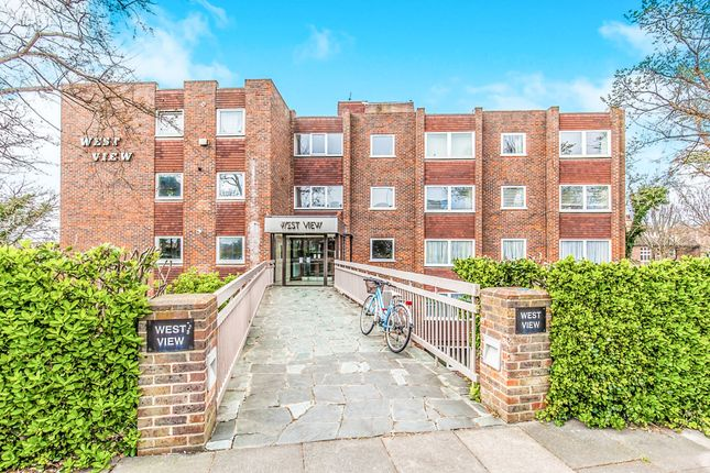 2 bed flat for sale in West View, The Drive, Hove