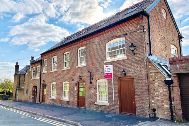 1 bed flat to rent in Victoria Road, Chesham HP5