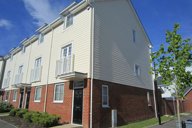 Thumbnail Town house to rent in Snodland Road, Snodland