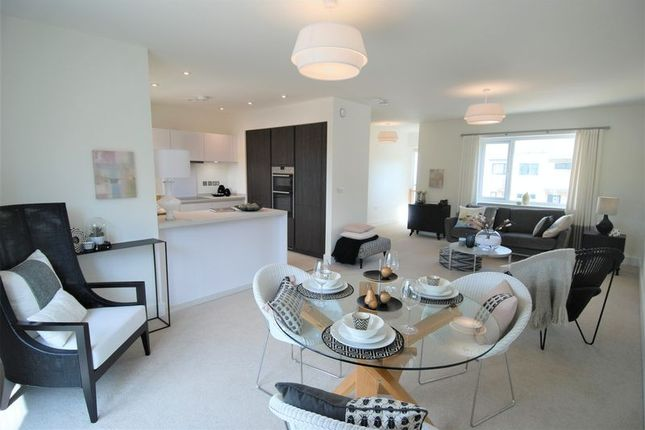 Thumbnail Flat to rent in The Chasse, Topsham, Exeter