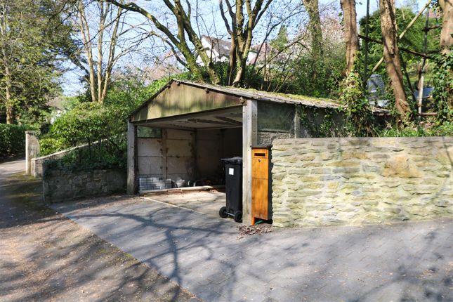 Garage of The Glen, Saltford, Bristol BS31