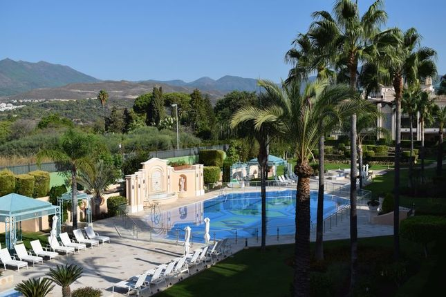 Thumbnail Apartment for sale in Lomas D Sierra Blanca, Marbella, Malaga
