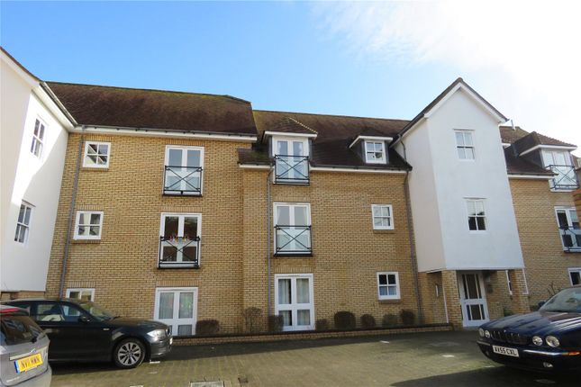 2 bed flat to rent in Philips Court, Royston, Herts SG8
