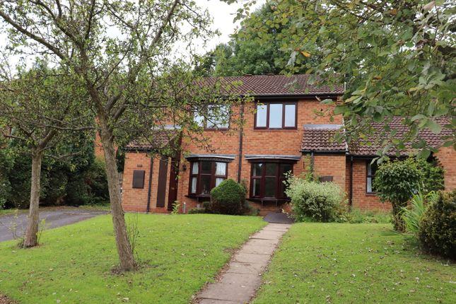 2 bed terraced house to rent in Avonbank Close, Redditch B97