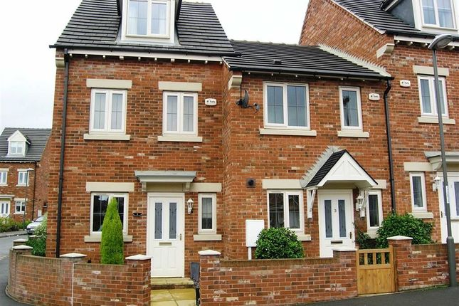 Thumbnail Town house to rent in Martindale Close, Chesterfield, Derbyshire