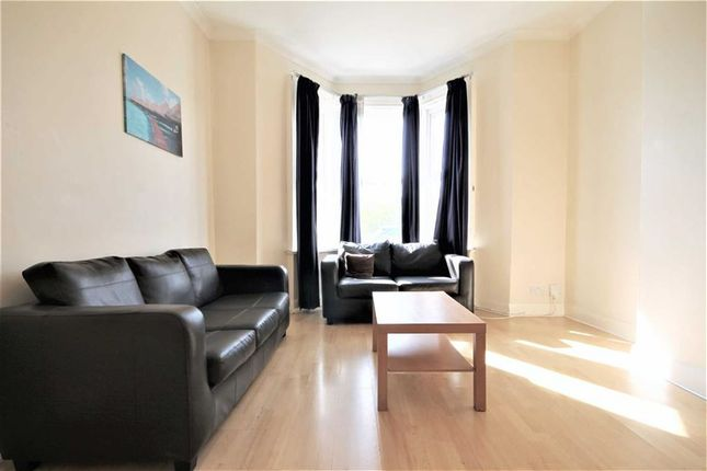 Thumbnail Terraced house for sale in Guildford Place, Heaton