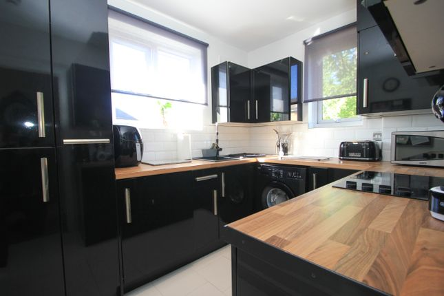 3 bed maisonette for sale in Verona Drive, Tolworth, Surbiton KT6