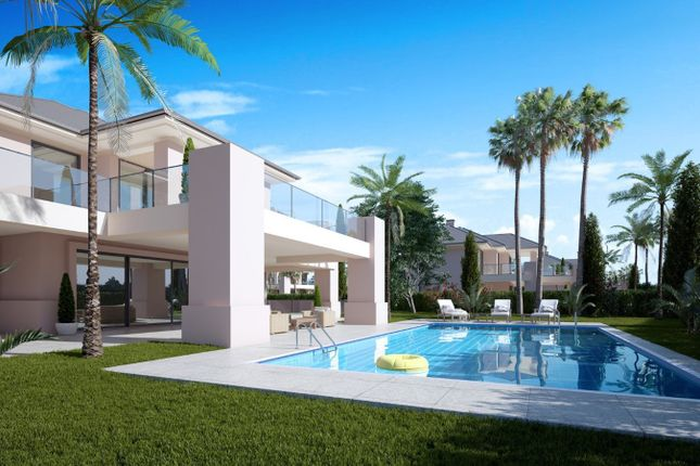 Detached house for sale in Los Flamingos, Andalucia, Spain
