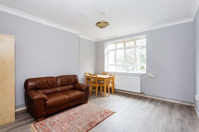 Flat in  Pondfield House  Highbury Estate  London West London