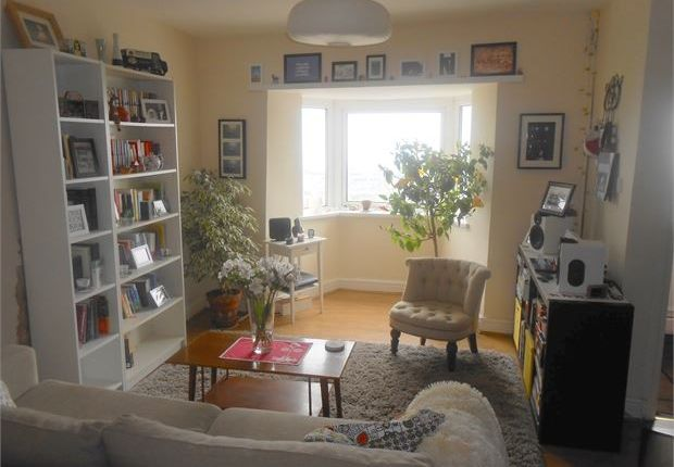 Shared accommodation to rent in Penygraig Road, Mount Pleasant, Swansea, West Glamorgan.