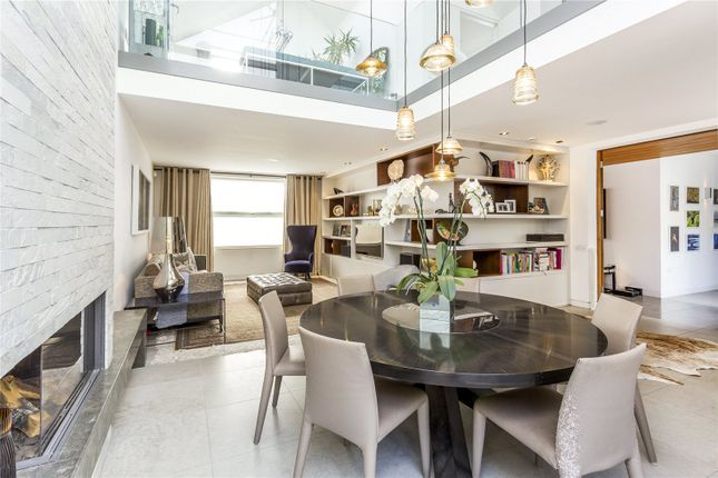 Thumbnail Mews house for sale in Noble Yard, London
