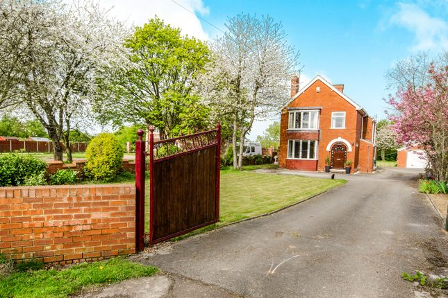 Thumbnail Detached house for sale in Old Thorne Road, Hatfield, Doncaster