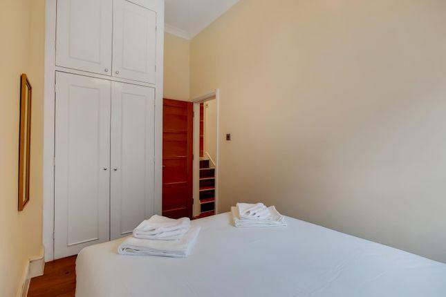 7_Master Bedroom-0