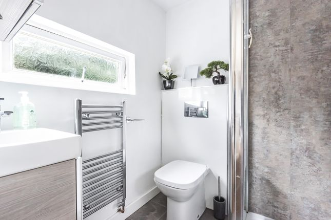 Bathroom of Lion Road, Bexleyheath DA6