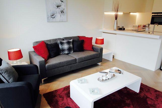 Thumbnail Flat to rent in Broadwall, London