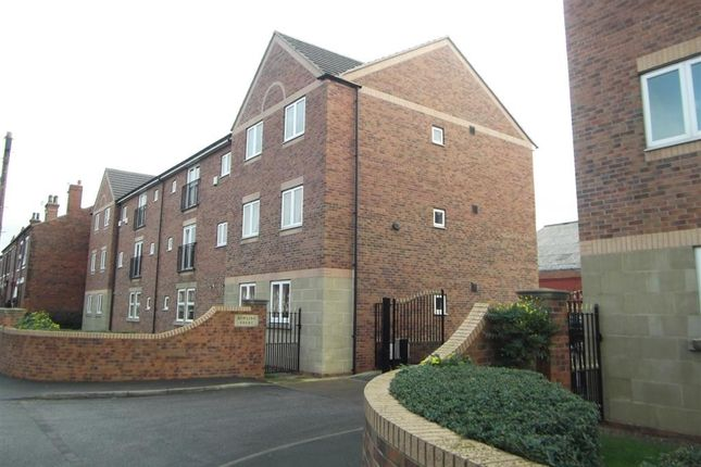 2 bed flat to rent in Bowling Court, Wakefield WF2