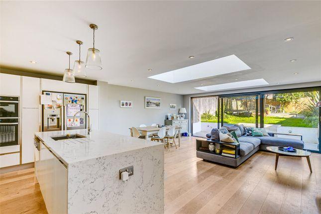 Thumbnail Terraced house to rent in Tilehurst Road, London