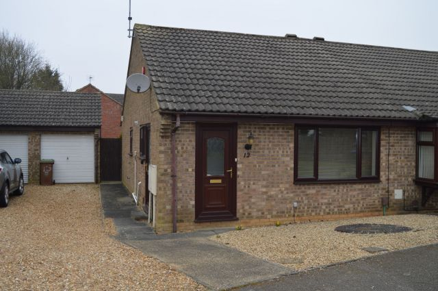 2 bed property to rent in Ludlow Close, Southfields, Northampton NN3