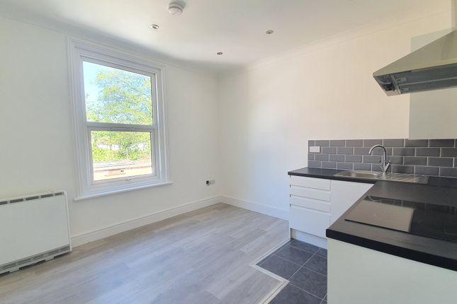 Flat to rent in Tennyson Road, Southampton