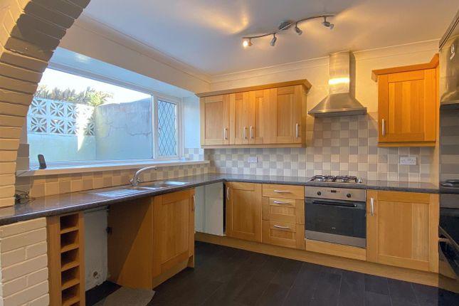 Thumbnail Terraced house to rent in Milton Terrace, Mount Pleasant, Swansea