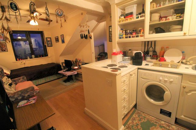 Thumbnail Terraced house for sale in Troudau House, Chatham Hill, Chatham, Kent