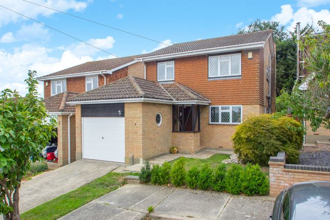 Thumbnail Detached house for sale in Colingwood, Benfleet