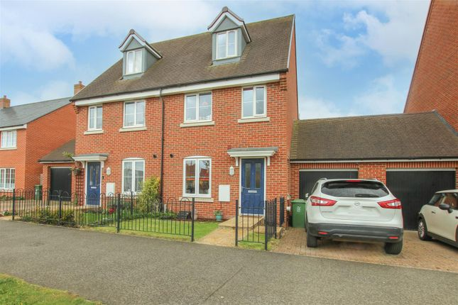 3 bed semi-detached house for sale in Redcurrant Avenue, Aylesbury HP18