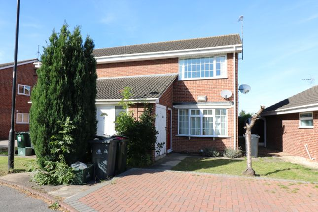 Thumbnail Flat to rent in Field Gate, Rossington, Doncaster