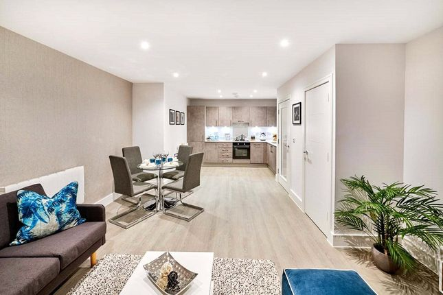 Thumbnail Flat for sale in 74 Maybury Road, Woking, Surrey