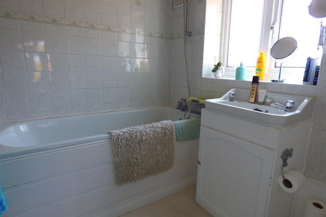 Bathroom of Norfolk Gardens, Borehamwood WD6