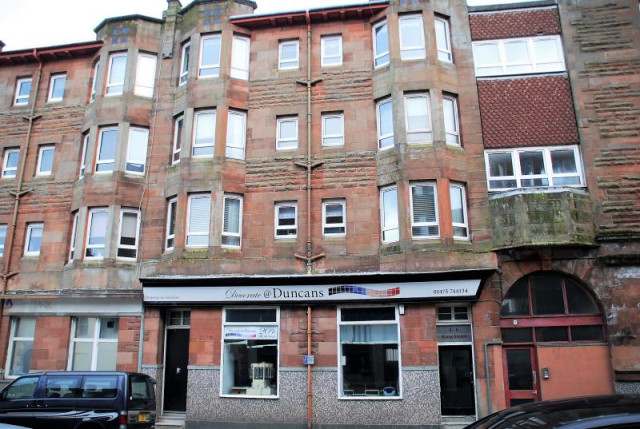 Thumbnail Flat to rent in King Street Port-Glasgow Furn/Unfurn, Port Glasgow
