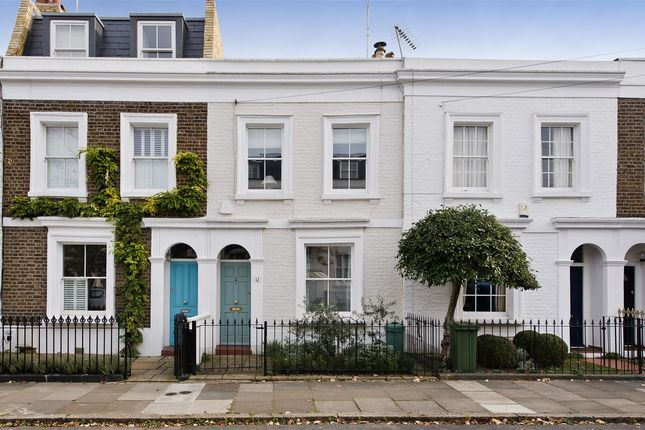 Thumbnail Cottage for sale in Perrers Road, London