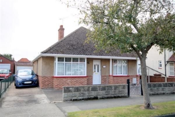 Thumbnail Bungalow for sale in Salisbury Road, Holland-On-Sea, Clacton-On-Sea