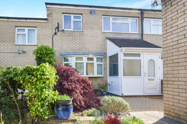 3 bed terraced house for sale in Clydesdale Place, Downs Barn, Milton Keynes
