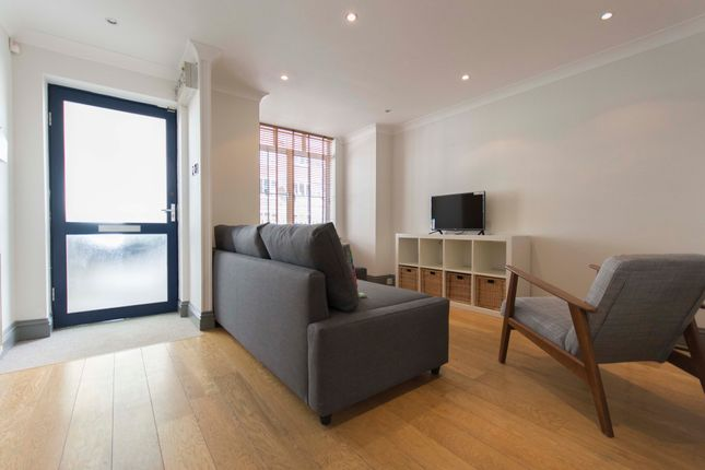 Thumbnail Town house to rent in Tolington Way, Holloway